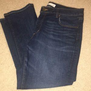 LOFT Curvy Kick Crop Jeans